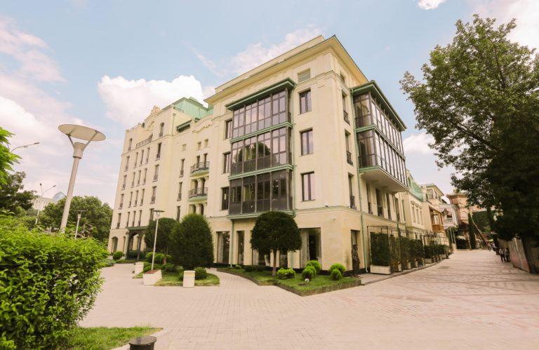 Hotel Ambasadori *****